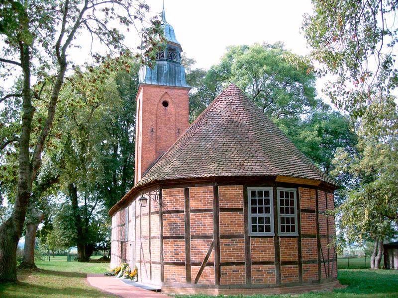 Kirche Möllenbeck